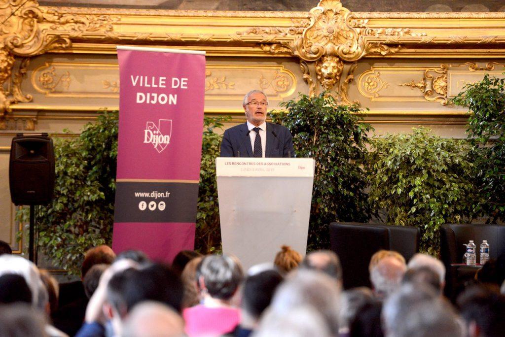 dijon-salle-comble-pour-les-rencontres-des-associations-338385 2